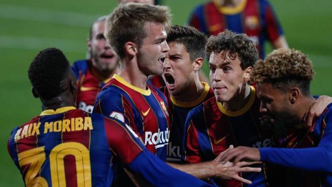 Arnau Comas celebra el gol de la victoria ante el Nàstic