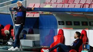 Quique Setién y Eder Sarabia aún esperan cobrar lo que les adeuda el Barça