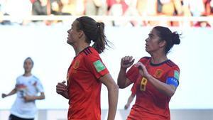 Irene Paredes marca el golazo del entrenamiento de España en La Cartuja