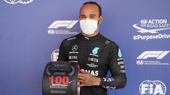 Hamilton ha celebrado su pole número 100 en Barcelona