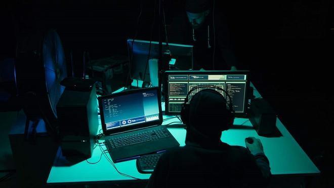 Los hackers amenazan con publicar información de la policía