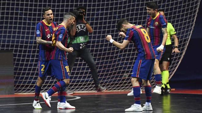 El Barça confía en hacer historia ante el Sporting