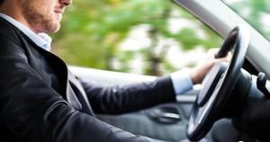 Descubre cuál es la mejor posición para conducir