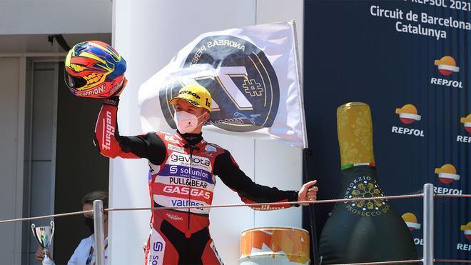 Daniel Holgado, líder de Moto3