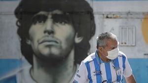 Tras una semana sin Maradona, Argentina se debate entre la conmoción y la polémica