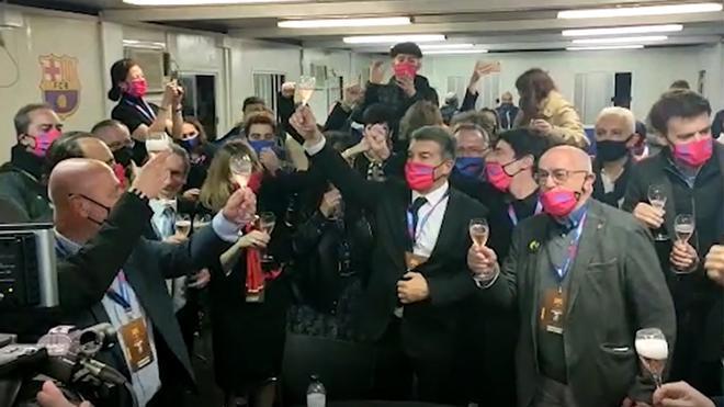 Así ha celebrado Laporta la victoria en las elecciones: ¡cava y euforia!