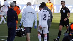 Carvajal volvió a lesionarse ante el Valencia