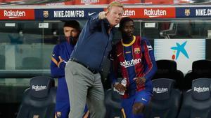 Koeman da instrucciones a Dembélé esta temporada