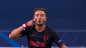 Saúl reclamó un posible penalti que el VAR no dio