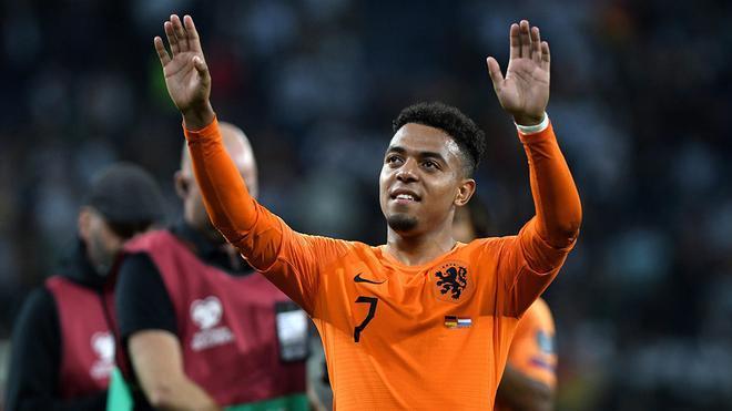 El goleador Malen puede ser uno de las revelaciones en Holanda