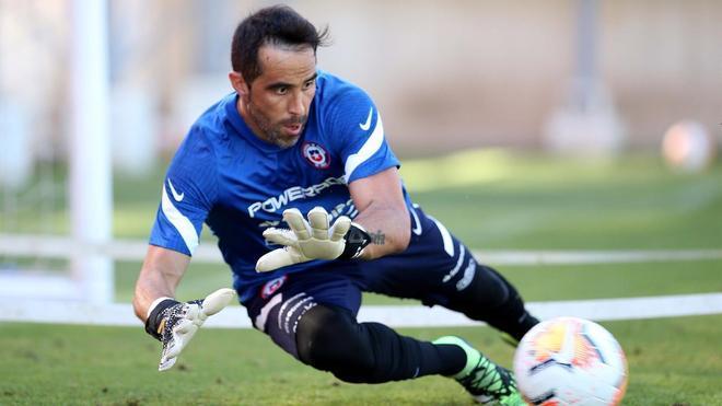 Claudio Bravo, con la selección chilena