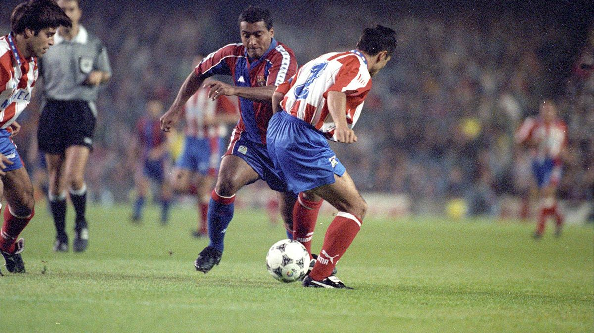 Así marcaba Romario en el Barça
