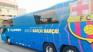 ¡Así llegó el autobús del FC Barcelona a La Cartuja de Sevilla!