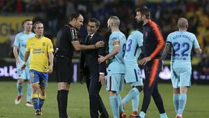 LALIGA | Piqué  se las tuvo con Mateu Lahoz al término del partido
