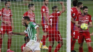 Indignación del Granada por esta cesión que derivó en el gol del Betis