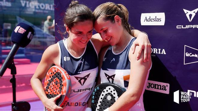 Paula Josemaría y Ari Sánchez tras su victoria en Marbella