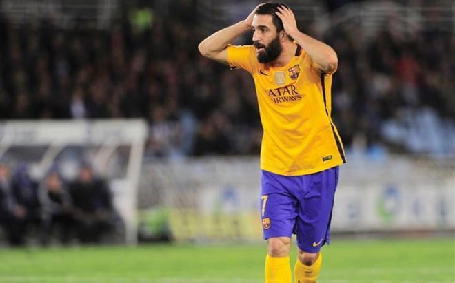 El futuro de Arda Turan en el Barça está en el aire