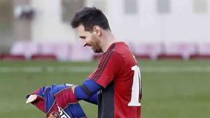 El hecho de sacarse Messi la camiseta le supondrá una multa al Barcelona