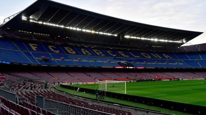 El Camp Nou, vacío, antes de un partido del Barça