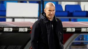 Zidane pide que se unifiquen criterios en las acciones con manos