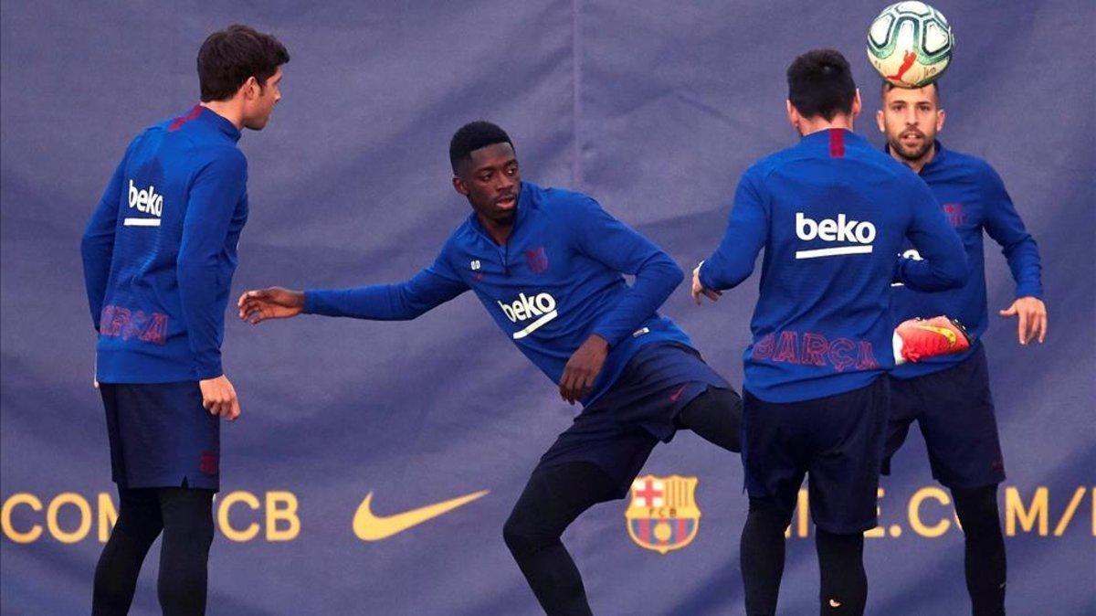 El FC Barcelona retoma este domingo el trabajo para preparar el derbi contra el Espanyol
