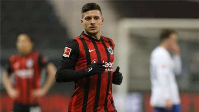 Jovic rechazó ofertas de tres clubes para volver al Eintracht