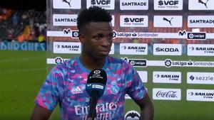 Vinicius, contento con su partido en Mestalla