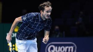 Medvedev decolocó a Djokovic y ya está en semis