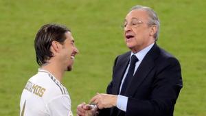 Ramos charla con Florentino Pérez