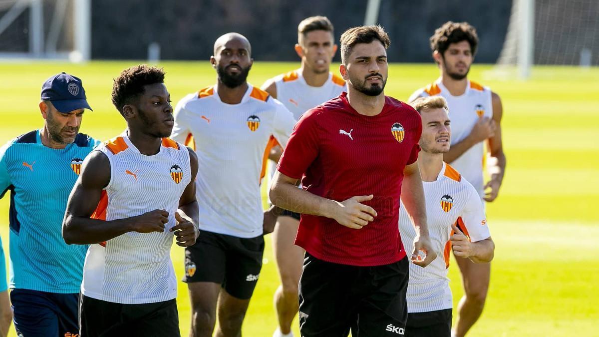 Imagen de la sesión de entrenamiento del Valencia