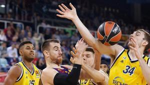 El Barça fue de manos a más y noqueó al Alba