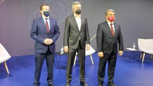 Freixa, Font y Laporta durante el debate