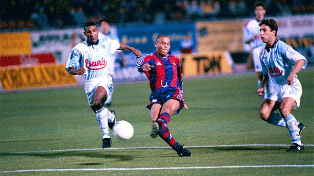 ¡Se cumplen 25 años de esta maravilla de Ronaldo en Compostela!