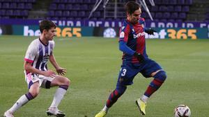 Toño y Toni Villa en un acción del partido.