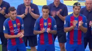Crisitan Tello formó con el equipo, secundado por Munir y Luis Suárez