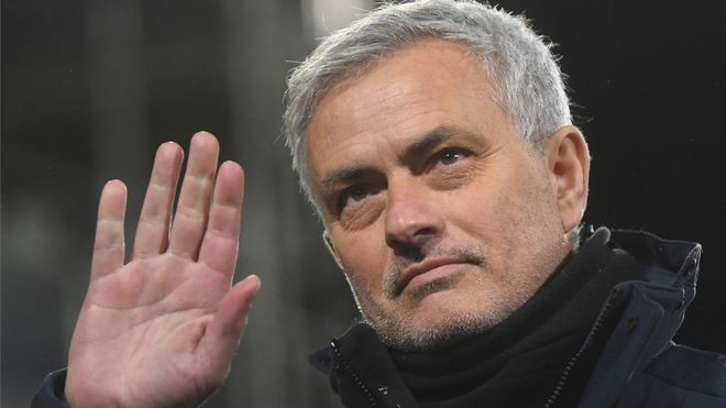 Mourinho, despedido del Tottenham