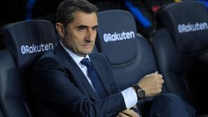 Valverde, en el banquillo del Camp Nou