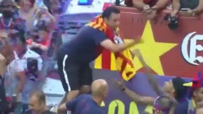La reprimenda de Xavi a Neymar que vuelve a hacerse viral