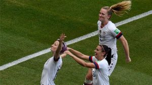 Así recogió Estados Unidos su trofeo como campeonas del mundo