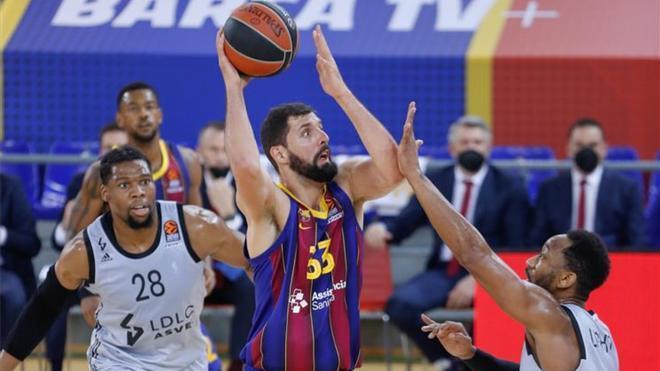 El Barça tropieza en el Palau ante un ASVEL que impuso su físico