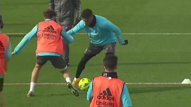 El golazo de Rodrygo en un entrenamiento: dribla a dos defensas y se la pica a Courtois