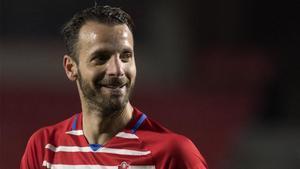 Roberto Soldado permanecerá como mínimo una temporada más en Granada.