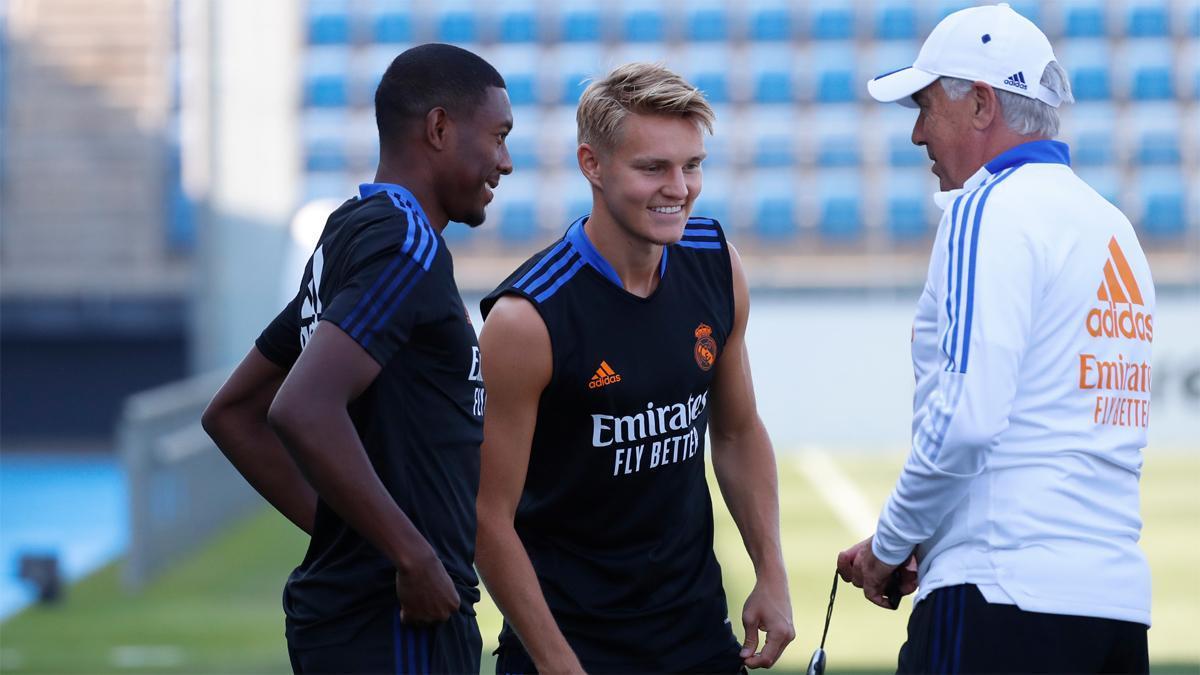 Ancelotti lleva tres semanas de entrenamientos