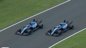 Los coches de Alonso y Ocon, en paralelo, celebran el éxito de Alpine y el francés en Hungría