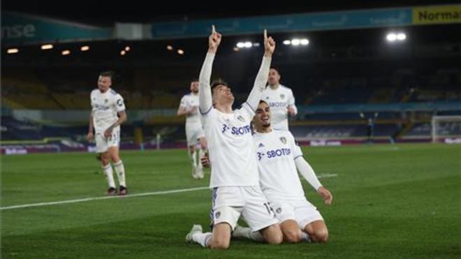 Llorente celebrando el gol del empate