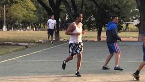 Así fue el debut (con goles y asistencias) de Ronaldinho en un torneo en la prisión de Paraguay