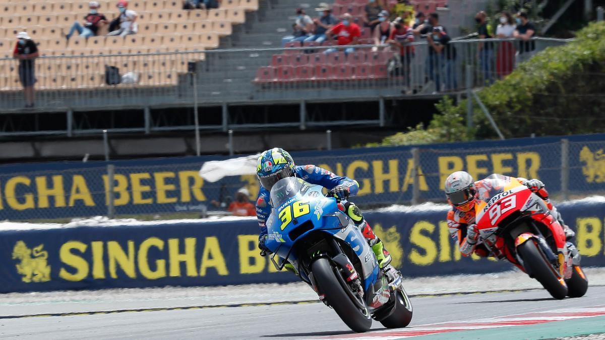 Mir y Marc Márquez durante los libres en el Circuit