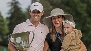 Mcllroy, con su mujer Erica Stoll y su hija Poppy.