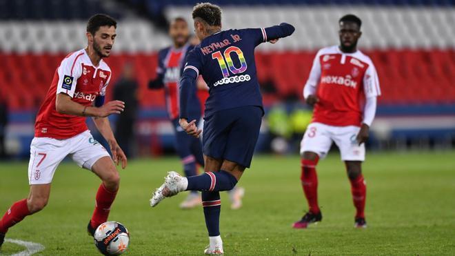 Neymar, durante una acción del partido