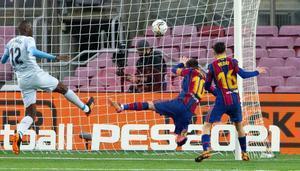 Las imágenes del partido entre el FC Barcelona y el Valencia de la jornada 14 de LaLiga Santander disputado en el Camp Nou.